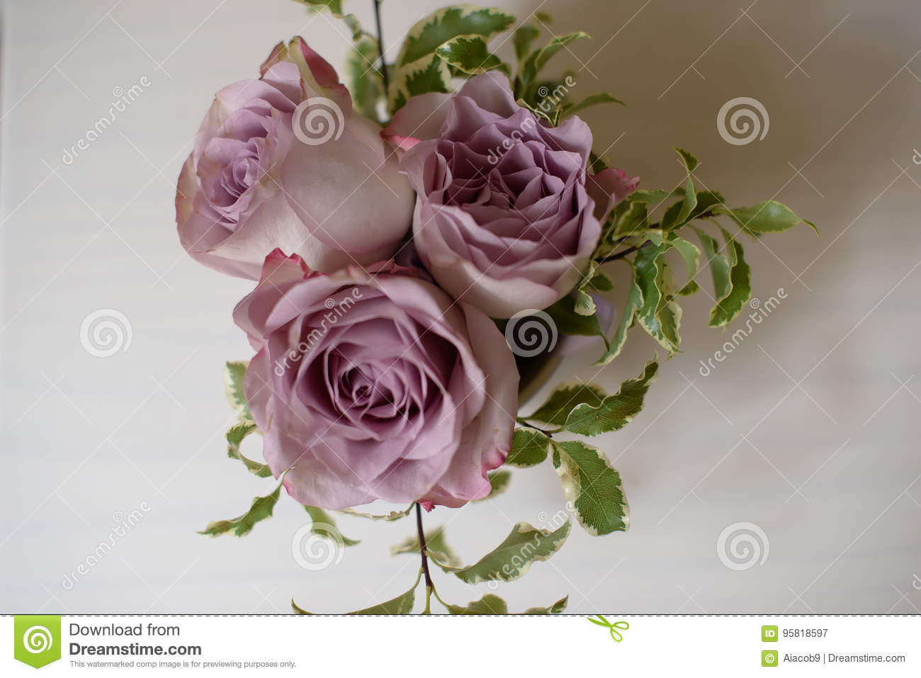 Exotic Wedding Floral Arrangements Of Amnesia Roses In Dusky Pink