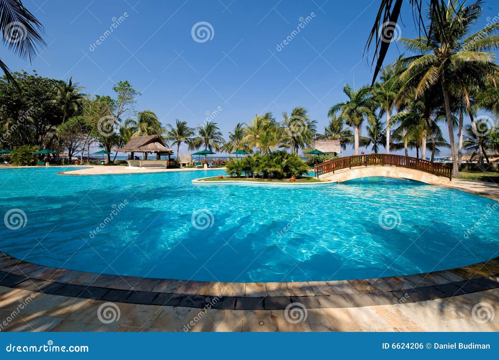 Exotisch zwembad dichtbij het strand royalty vrije stock afbeelding beeld 6624206 - Fotos van het zwembad ...