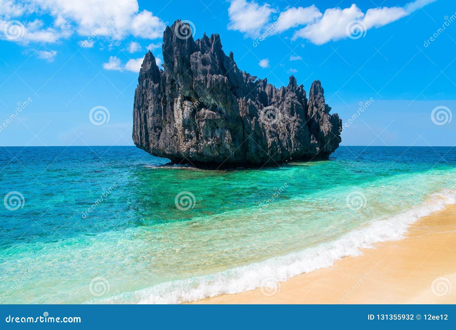 Exotiskt landskap för tropisk paradisöstrand