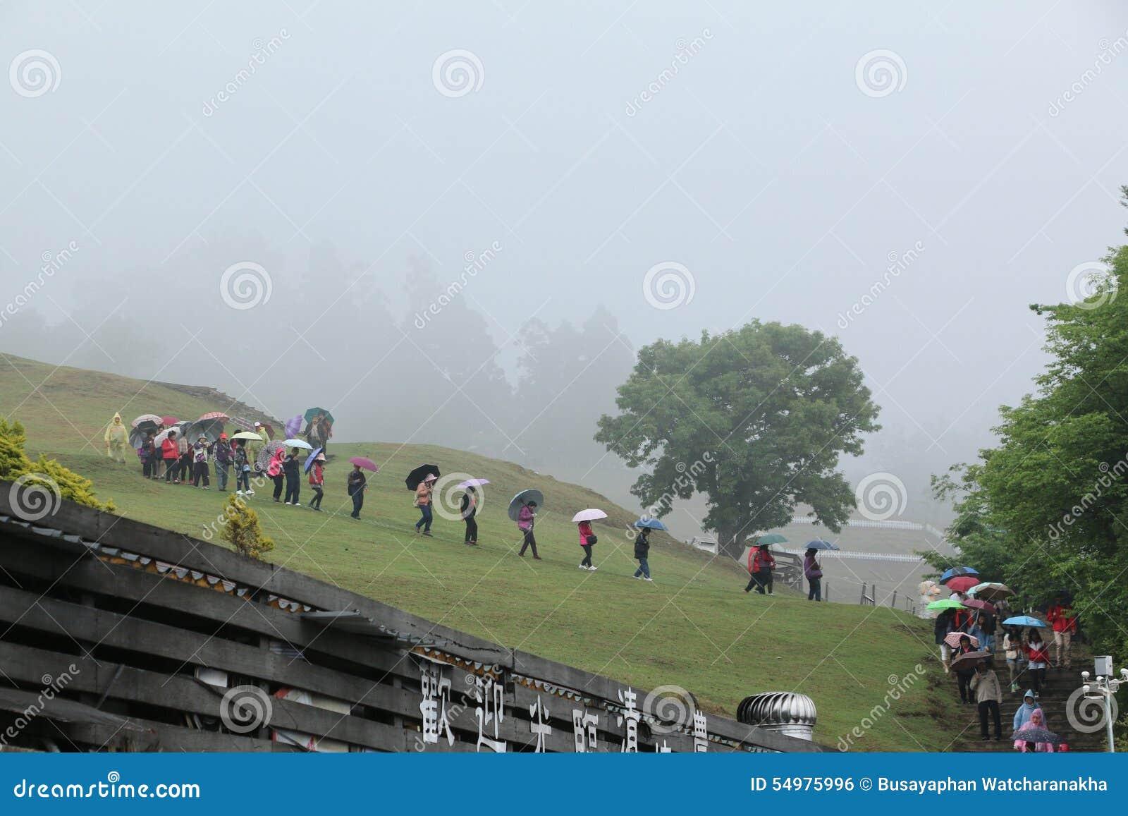 EXPLORAÇÃO AGRÍCOLA DE CINGJING, TAIWAN - 10 DE ABRIL DE 2015