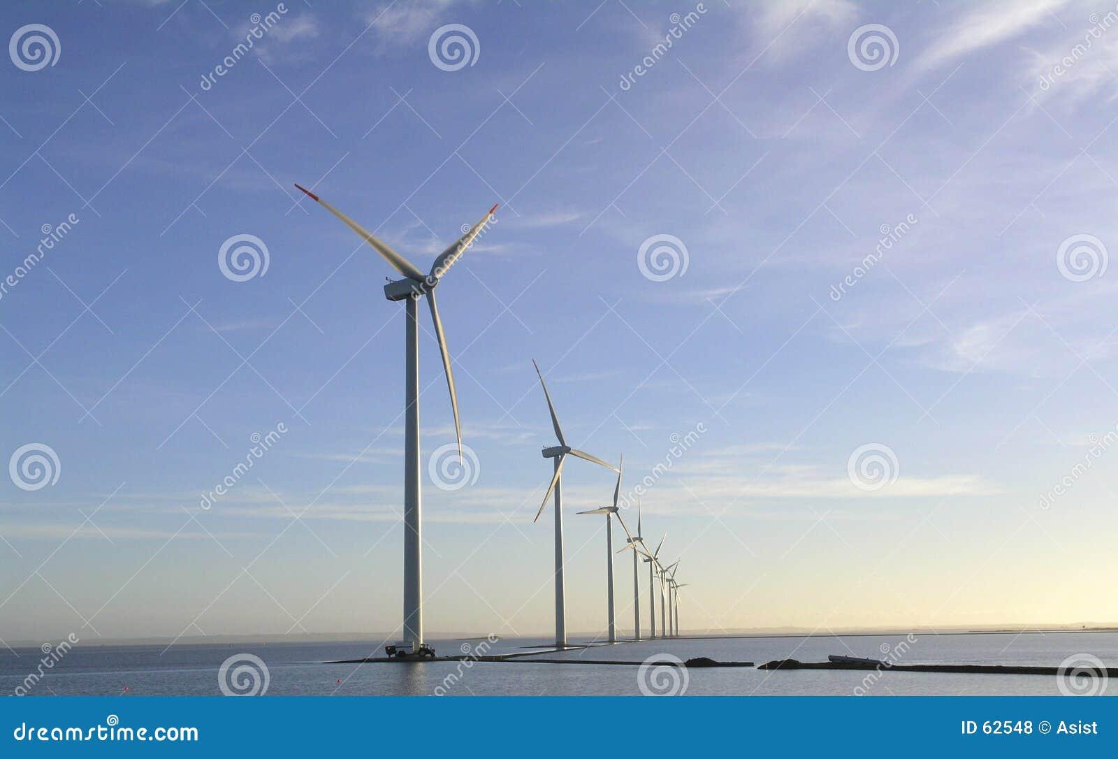 Exploração agrícola de vento a pouca distância do mar