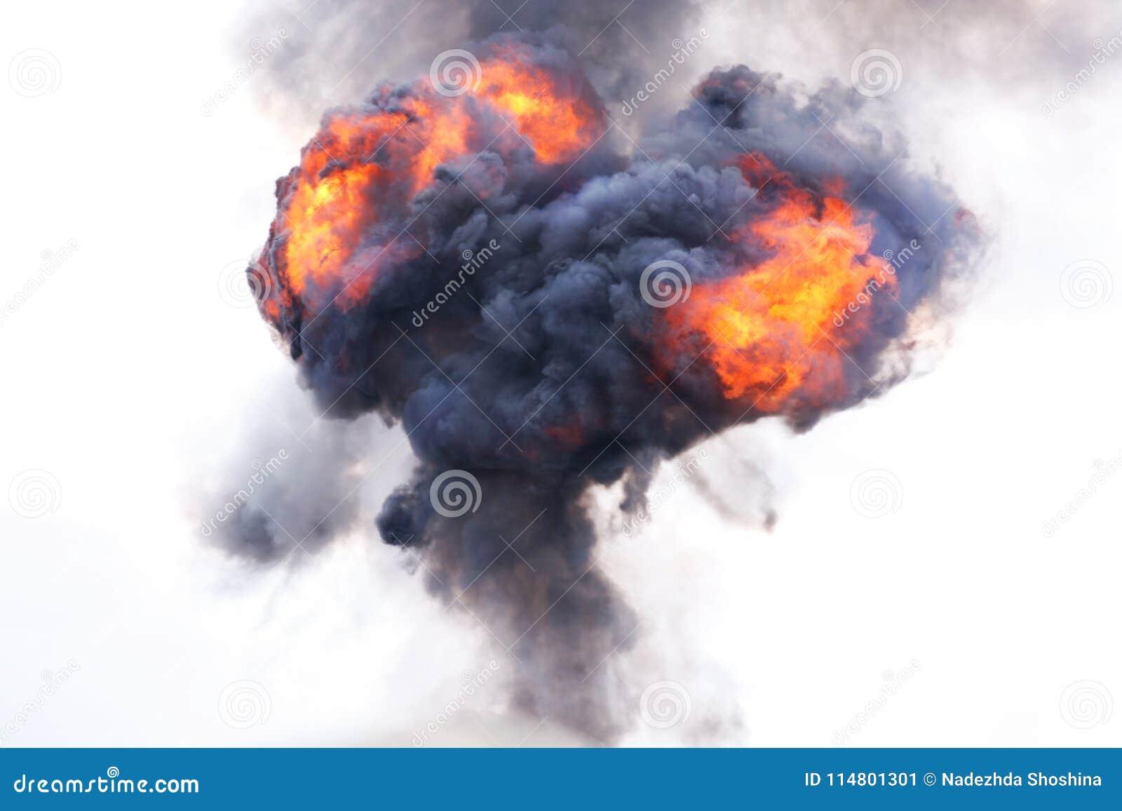 Explosão com fogo e fumo