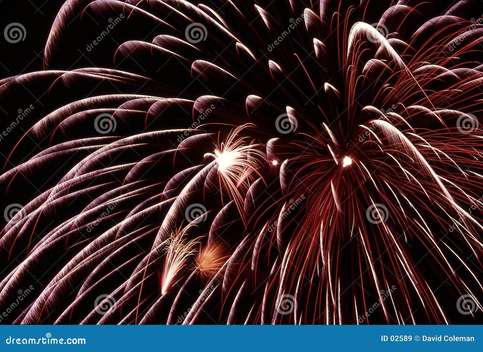 Explosión de los fuegos artificiales