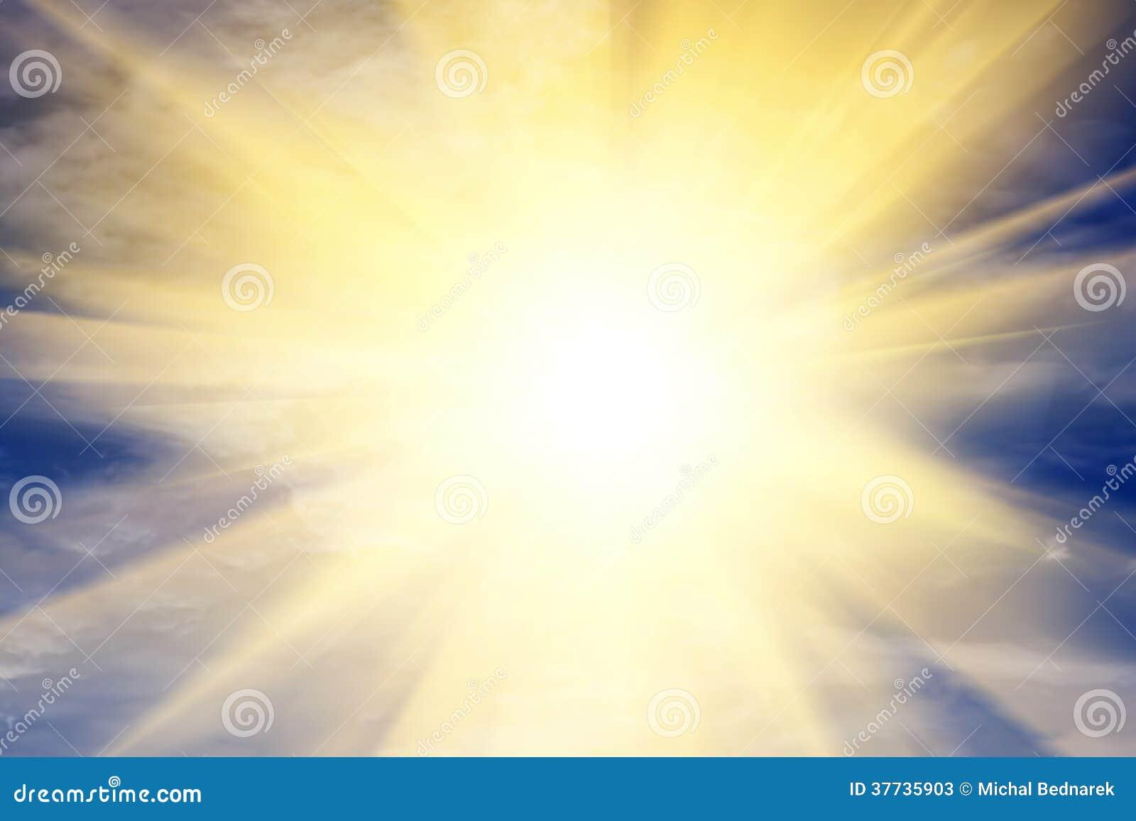 Explosion av ljus in mot himmel, sol. Religion