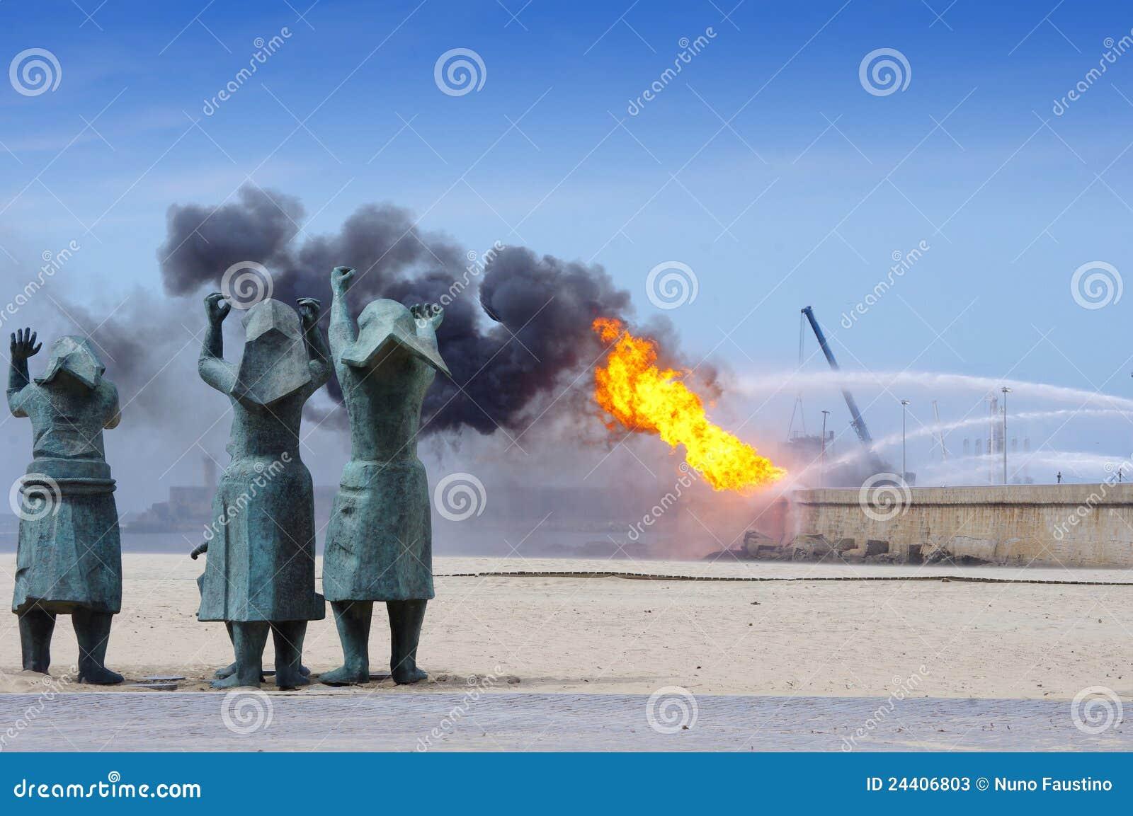 Explosion in oil refinery