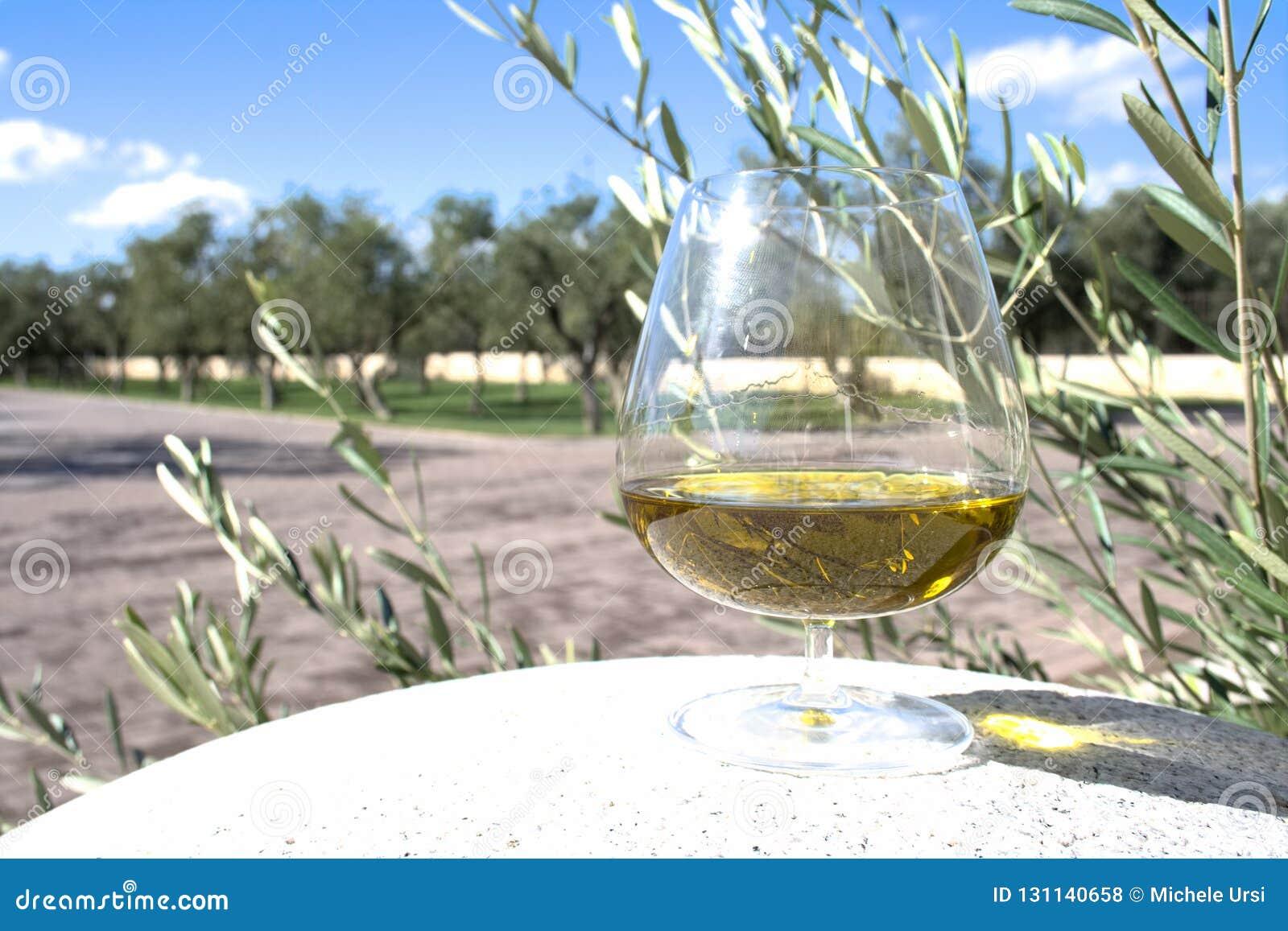Exponeringsglas av extra jungfrulig olivolja