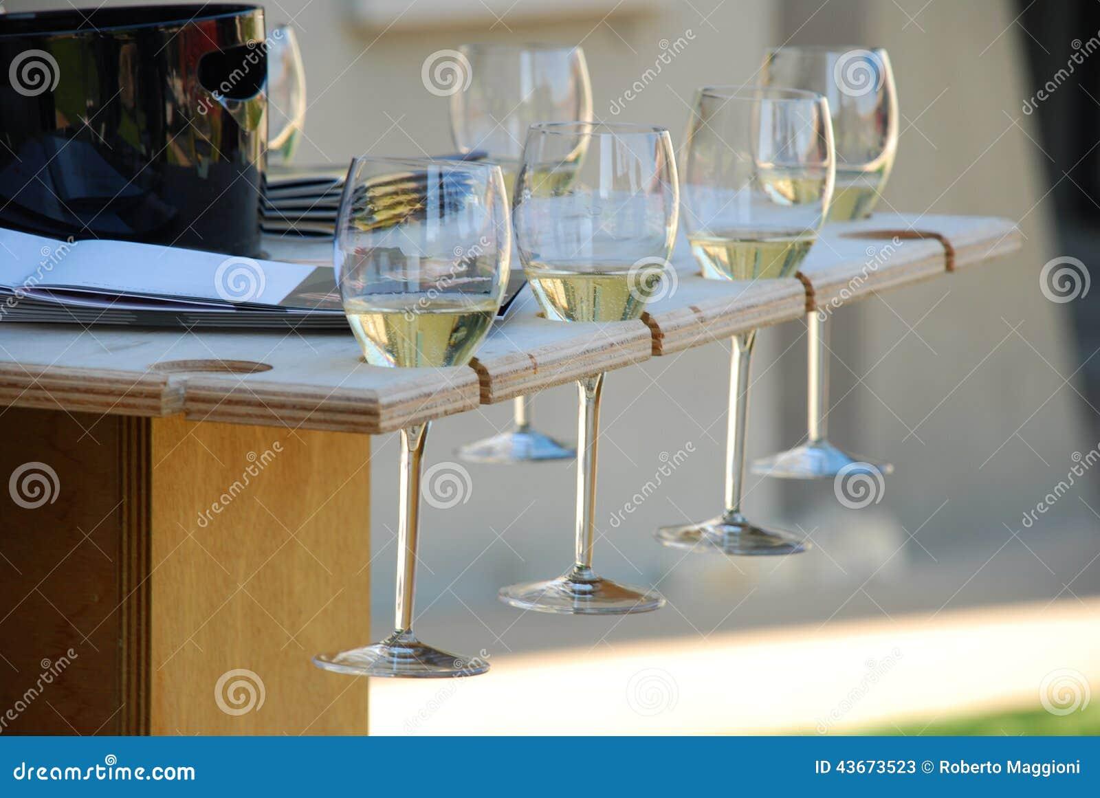 Exponeringsglas för vinavsmakning Franciacorta vin, Italien