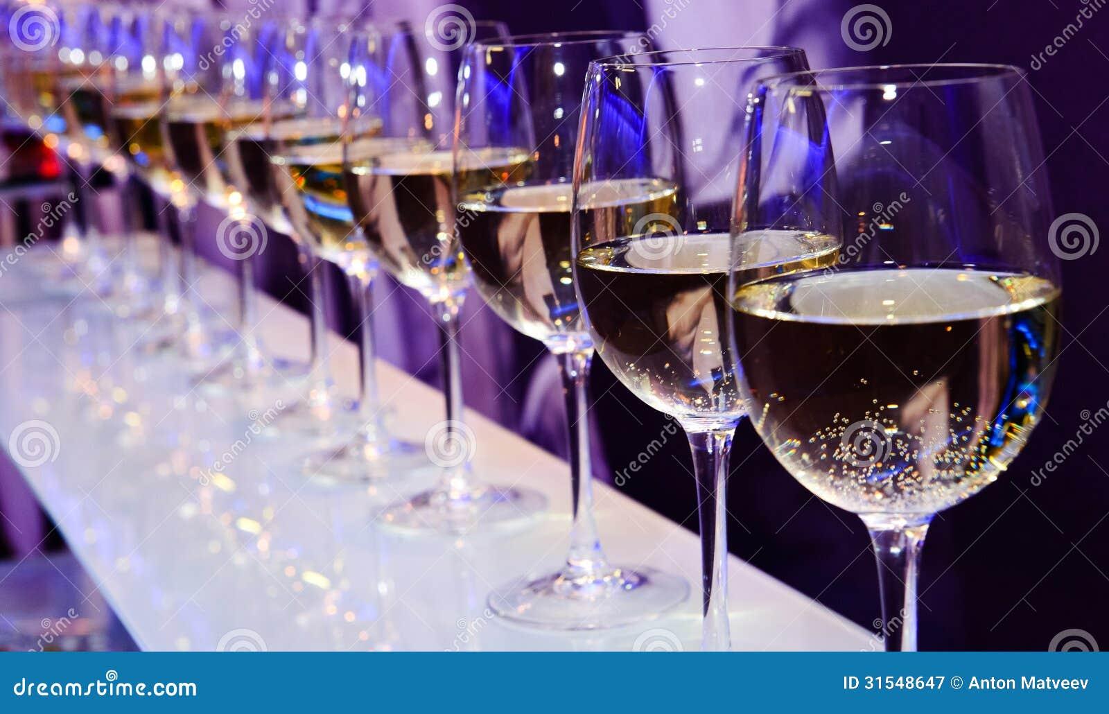 Exponeringsglas med vitt vin