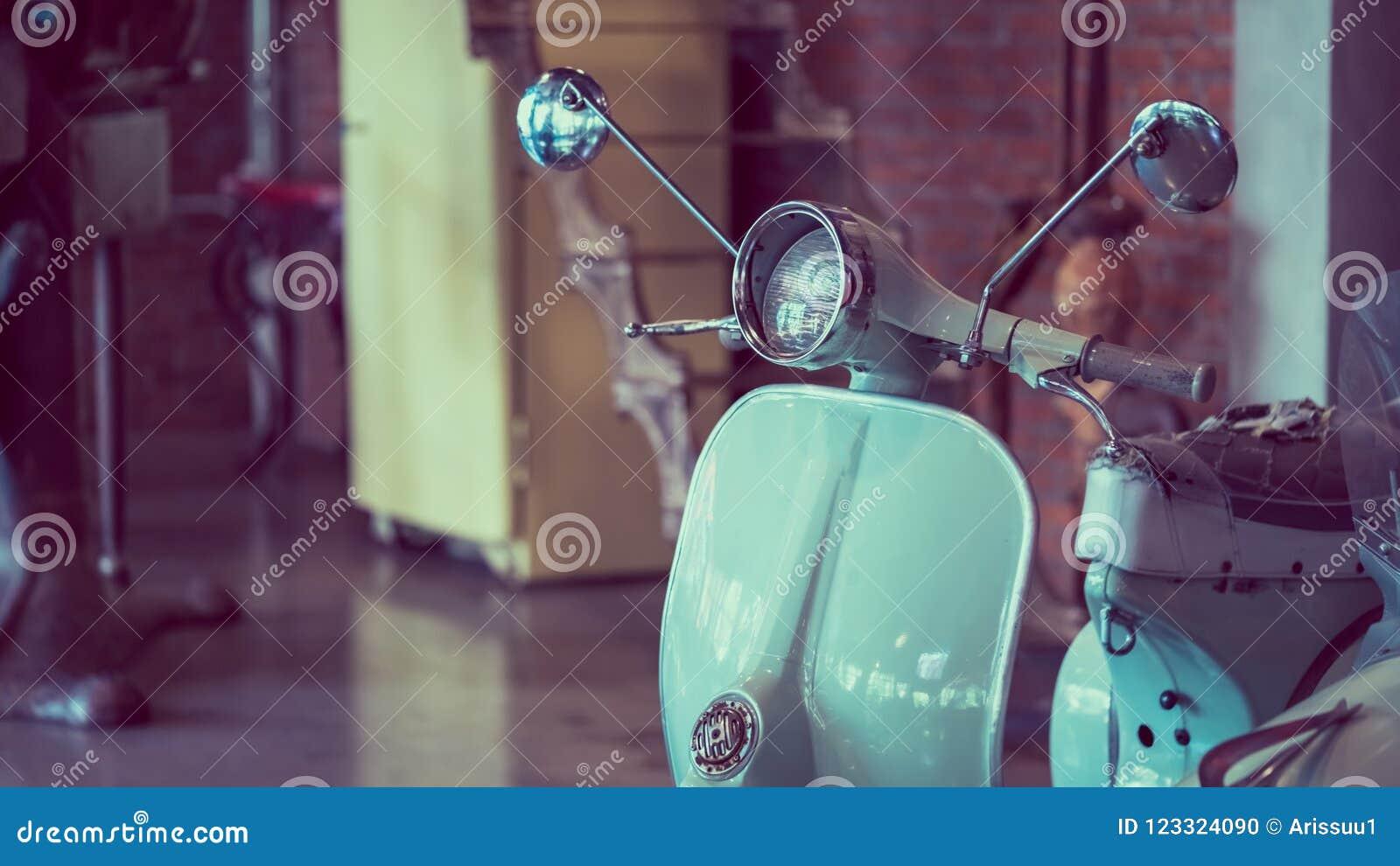 Exposição Collectible da motocicleta do  trotinette  do vintage