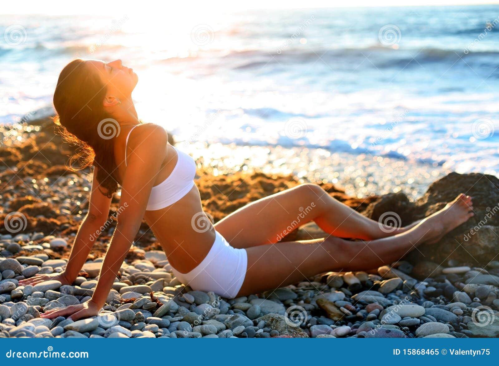 Exposition au soleil sur la plage