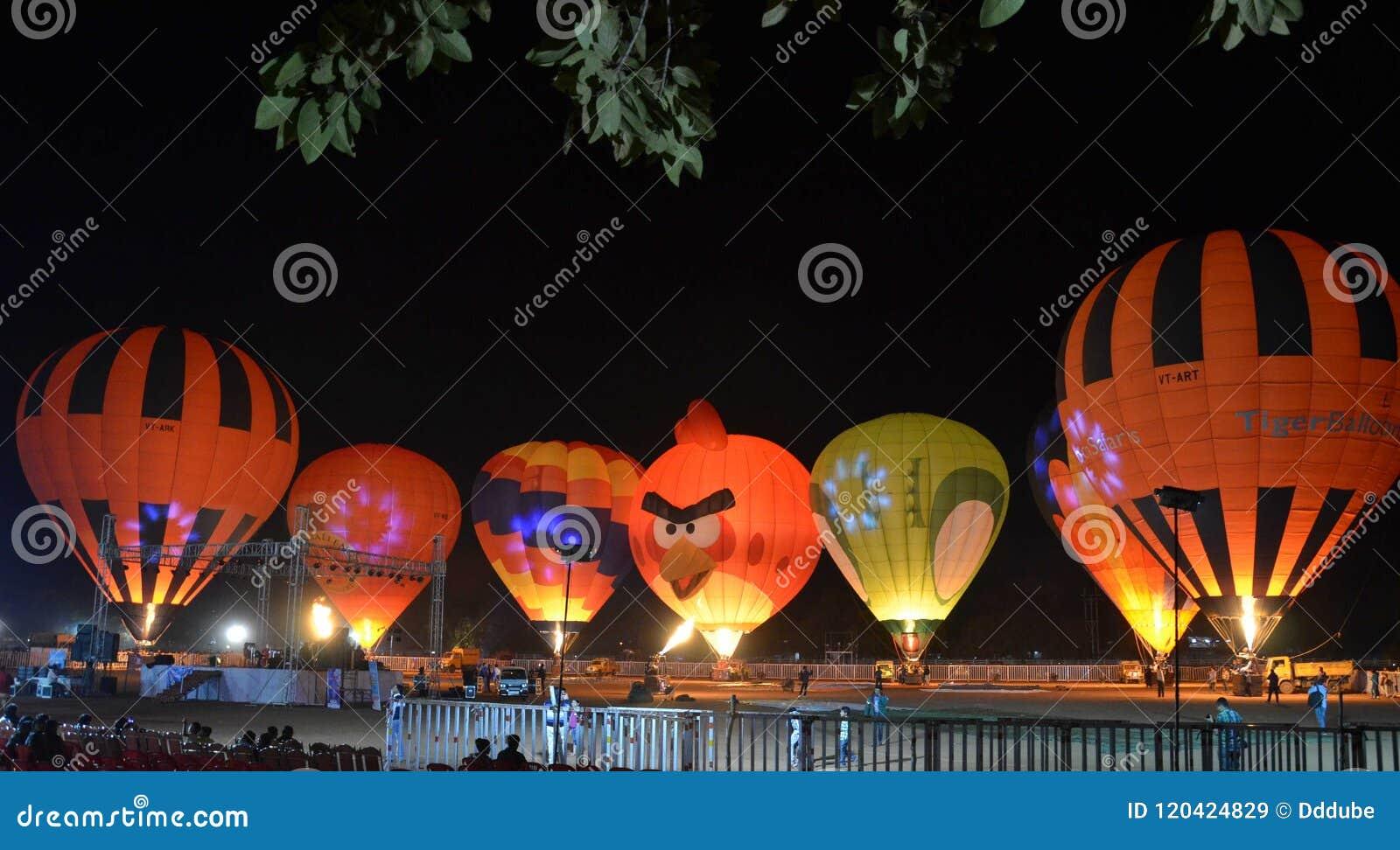 Exposition chaude de ballon à air à Bhopal