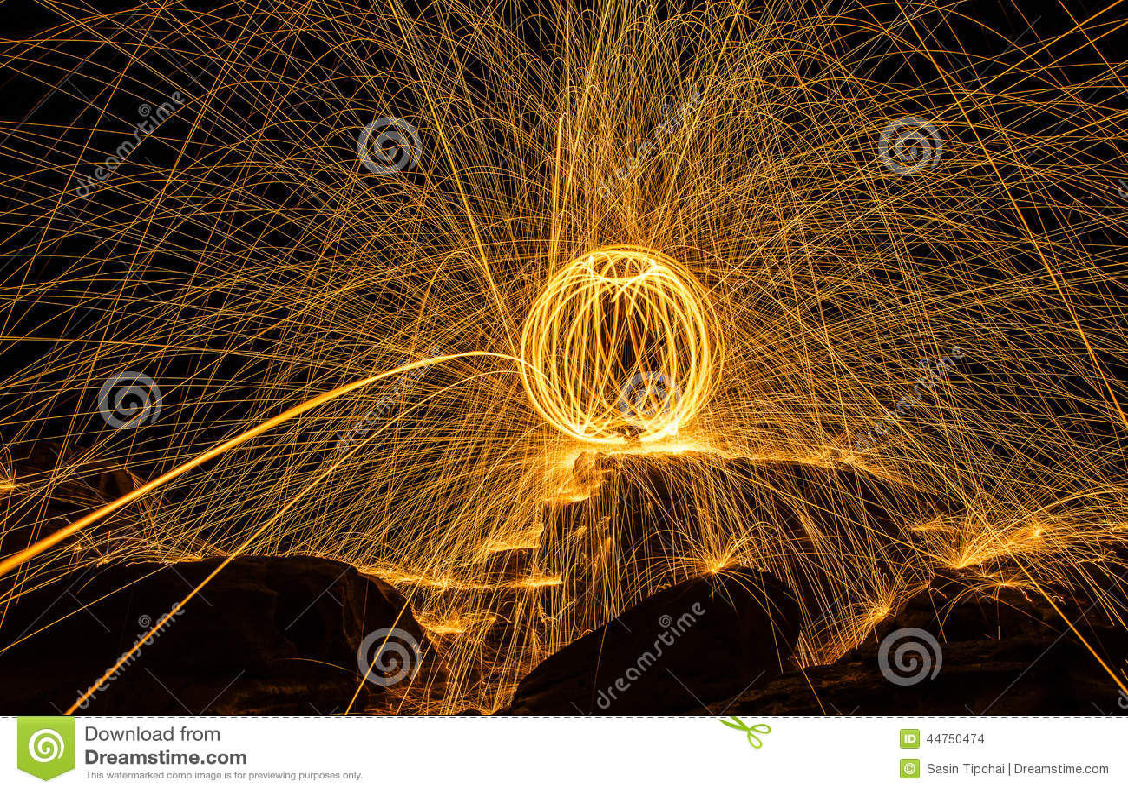 Exposition d aérolithe stupéfiant la nuit
