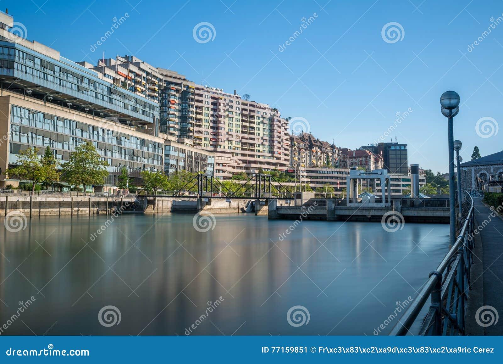 Exposition de barrage de Genève longue