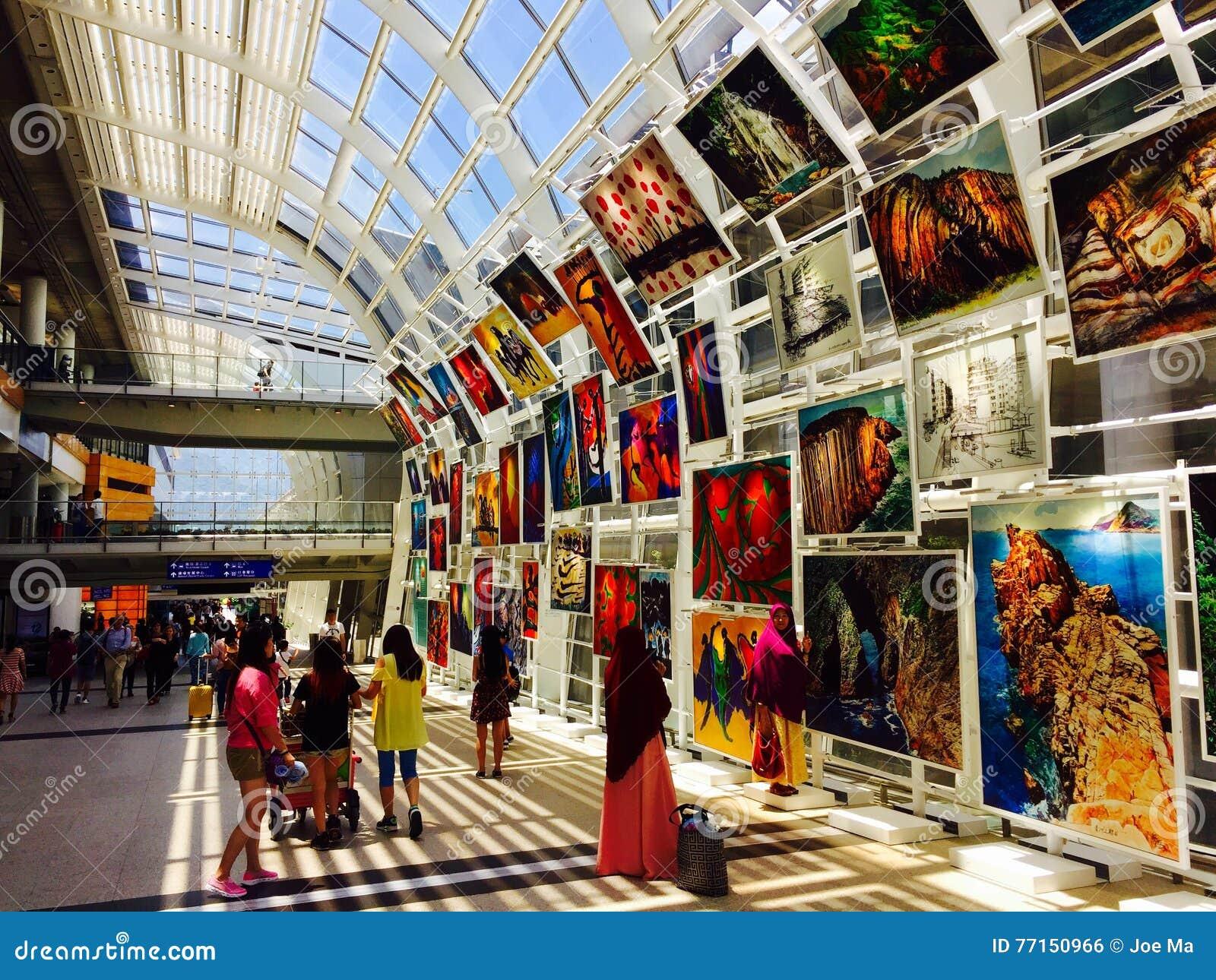 Exposition de peinture à l huile en Hong Kong International Airport