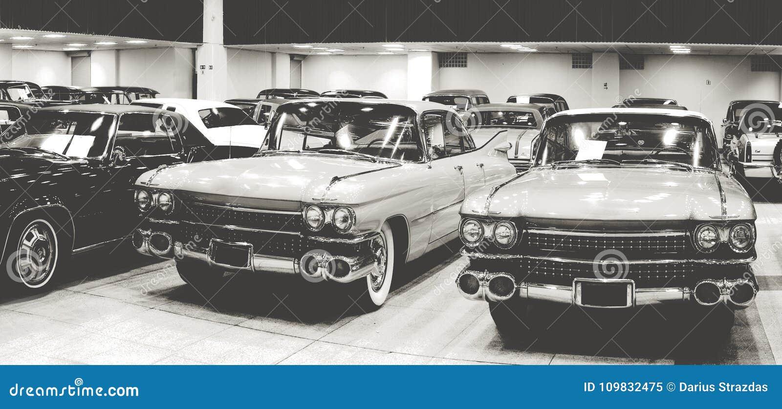 Exposition de voitures anciennes de vintage