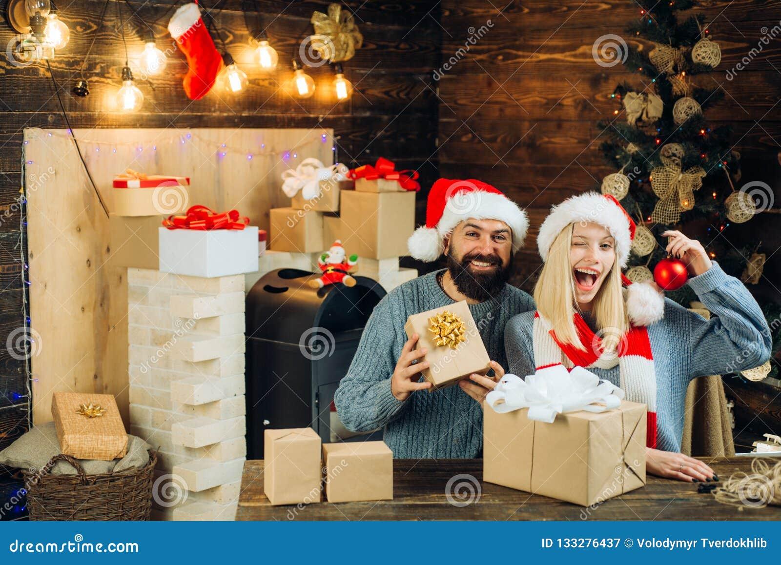 Expressões faciais das emoções humanas positivas Interior do Natal Natal da família feliz Ano novo feliz Conceito do ano novo