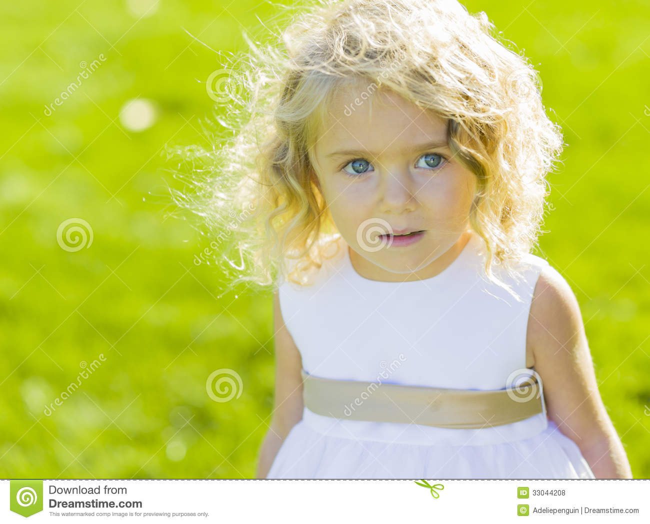 expressive-little-girl-white-dress-prett