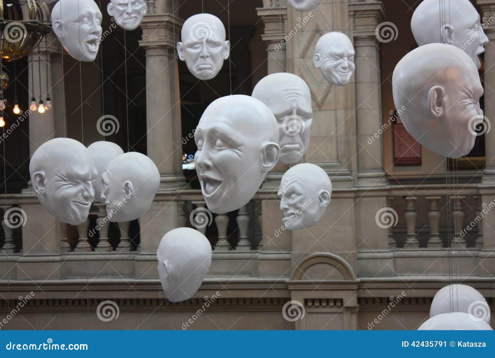 Expresstions faciales - en el Kelvingrove Art Gallery y museo en Glasgow