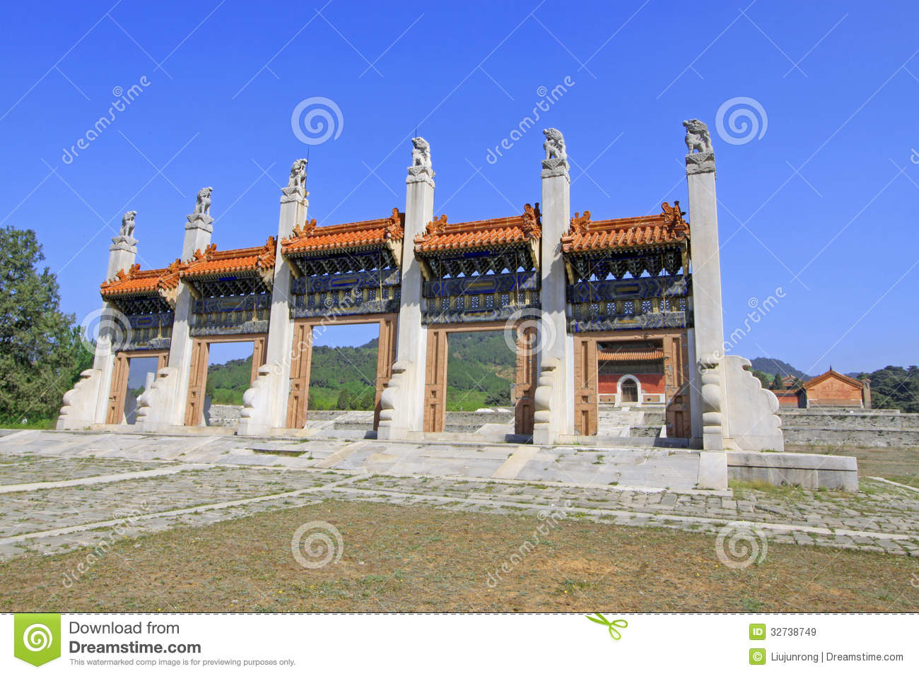 Exquisite stone archway in the eastern royal tombs of the for Exquisite stone