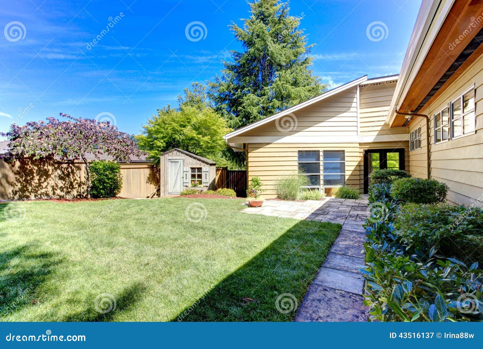 D co le petit jardin yes saint denis 2613 le dauphine le bon coin 13 le parisien oise - Petit jardin paysage le havre ...