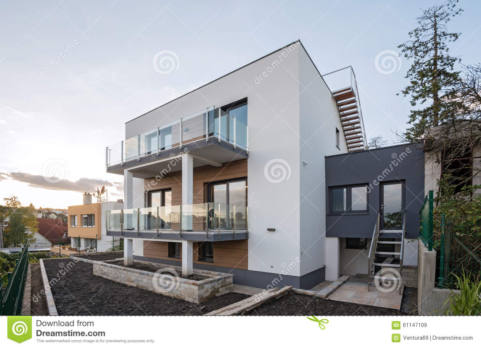 Extérieur Contemporain De Maison Image stock - Image du construit ...