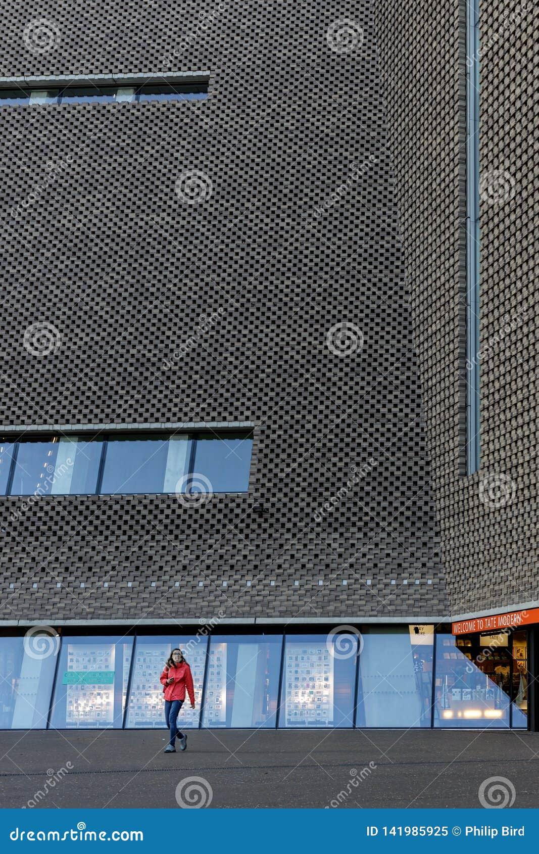 Photo De Galerie Exterieur extérieur de la galerie d'art de tate modern à londres le 11