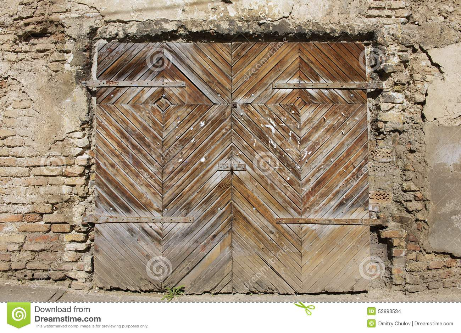 Ext rieur de la vieille porte en bois vilnius du centre for Vieille porte en bois