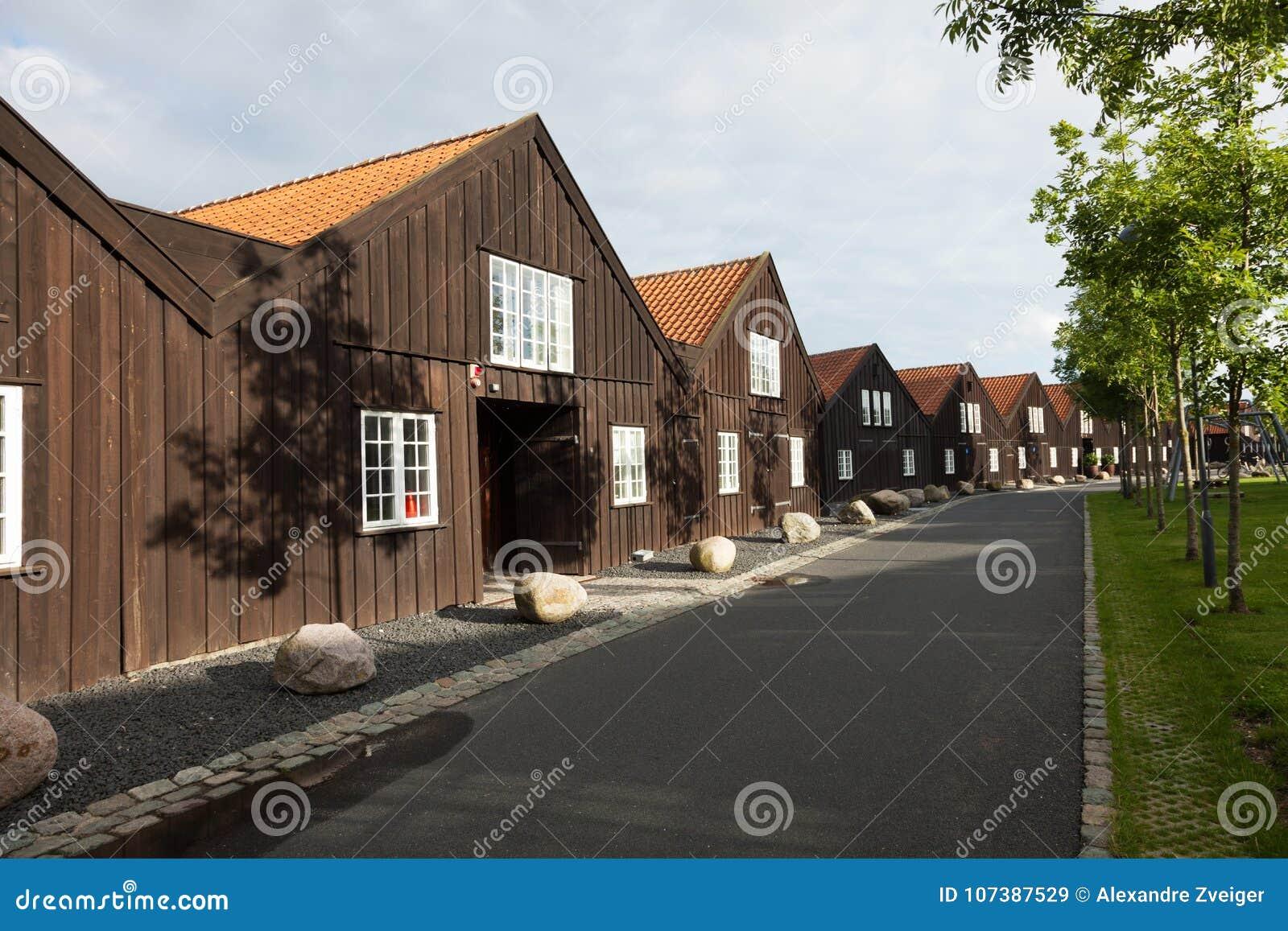 Extérieur des maisons en terrasse en bois à Copenhague