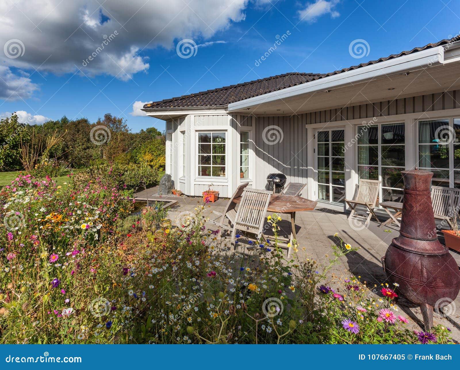Exterieur En Bois Scandinave Moderne De Maison Image Stock Image