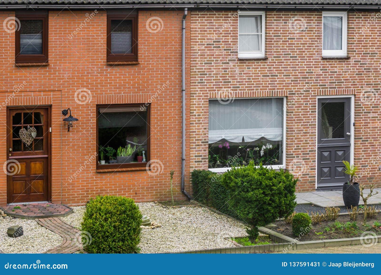 Extérieur En Terrasse Néerlandais Moderne De Maison Avec Les ...