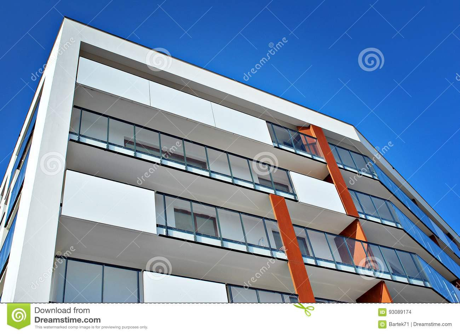 ext rieurs modernes d 39 immeubles fa ade d 39 un immeuble moderne photo stock image du patrimoine. Black Bedroom Furniture Sets. Home Design Ideas