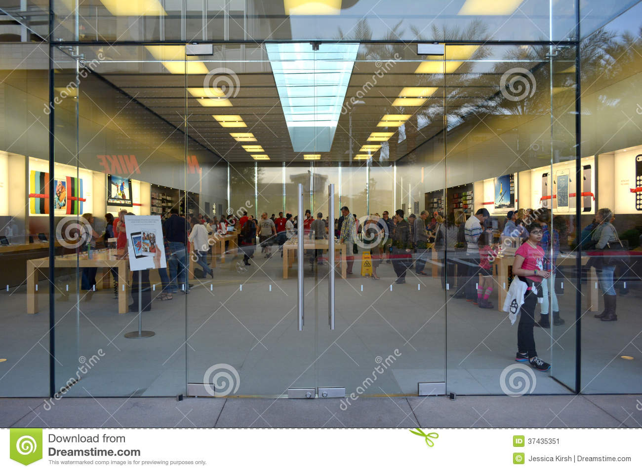 the exterior of the apple store at the scottsdale quarter in scottsdale arizona usa editorial. Black Bedroom Furniture Sets. Home Design Ideas