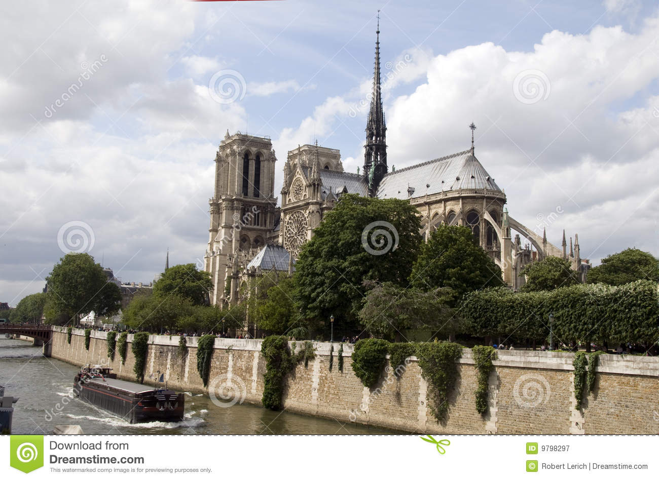 Exterior apse notre dame cathedral paris royalty free for Exterior notre dame