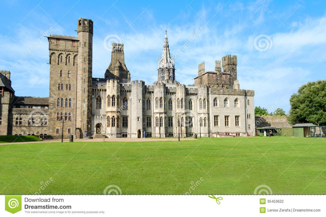 Cardiff United Kingdom  city photos gallery : ... Photography: Exterior of Cardiff Castle – Wales, United Kingdom