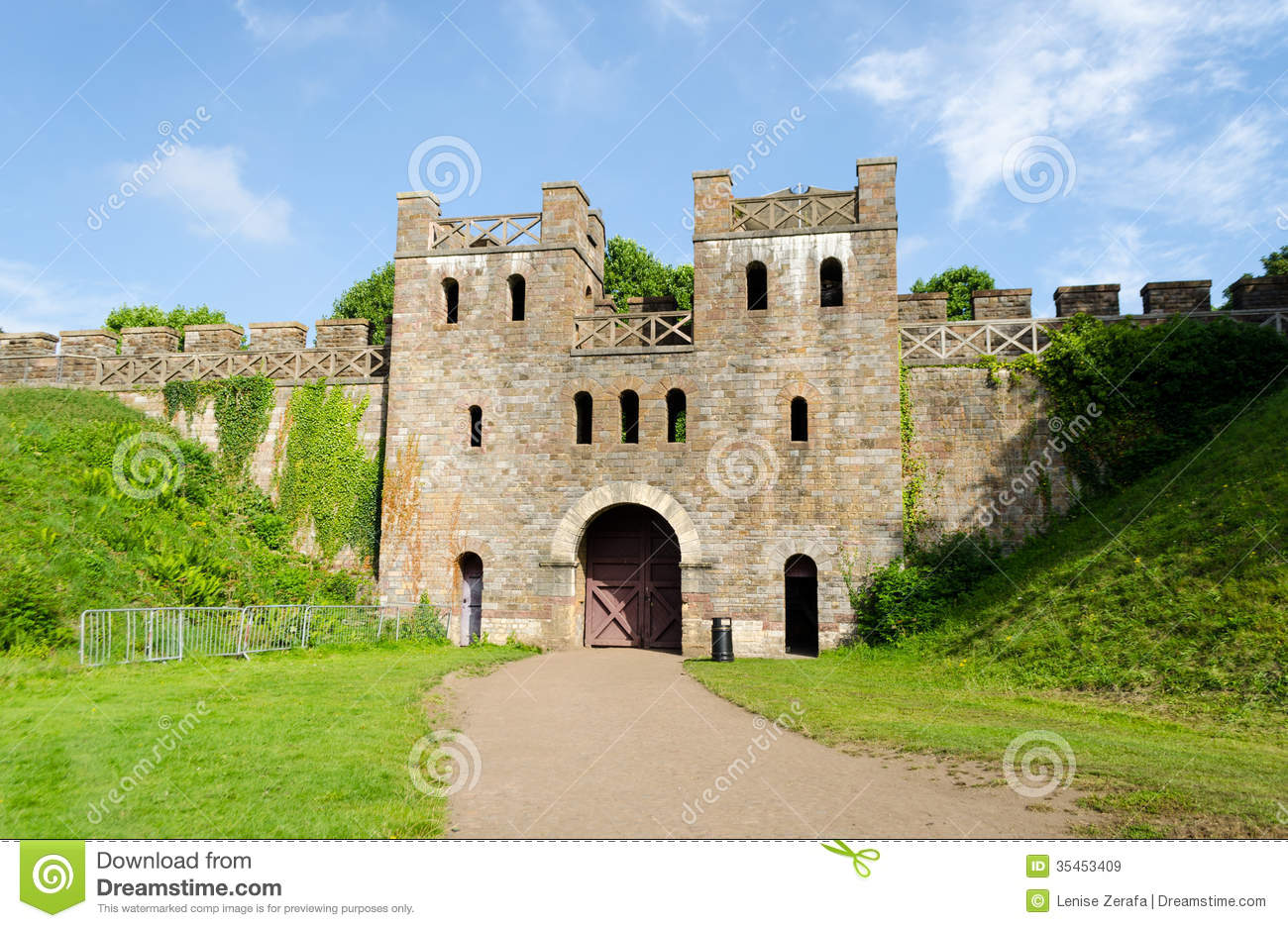 Cardiff United Kingdom  city photo : ... Stock Images: Exterior of Cardiff Castle – Wales, United Kingdom