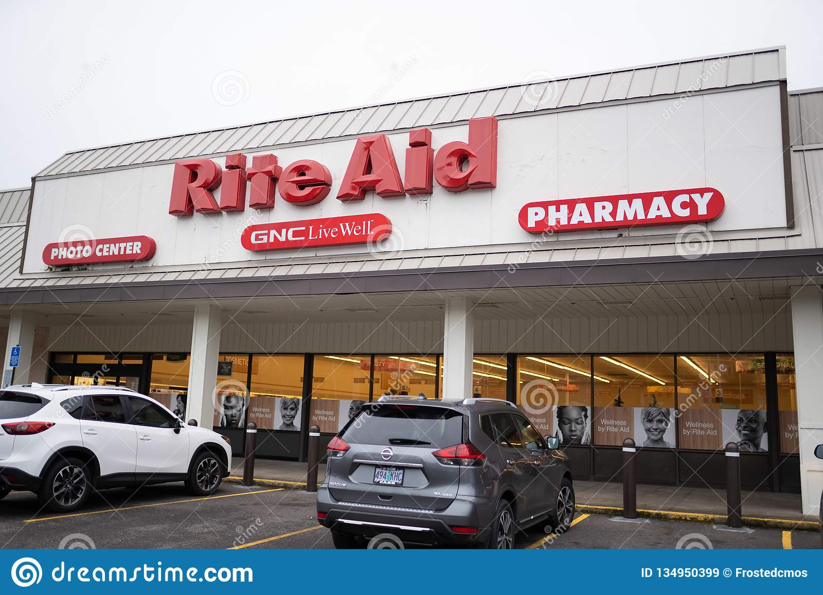 Exterior da loja da farmácia do auxílio do rito