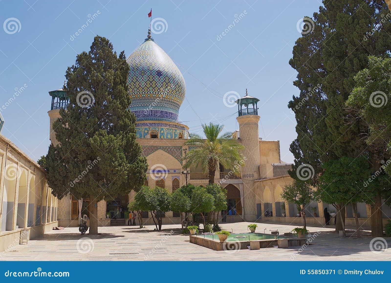 Exterior de la mezquita del Ebn-e Hamzeh de Emamzadeh-YE Ali en Shiraz, Irán