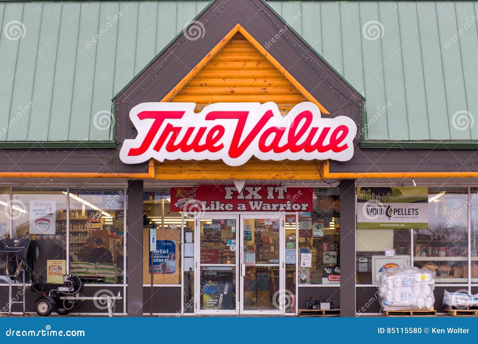 Exterior e logotipo da loja de ferragens do valor verdadeiro