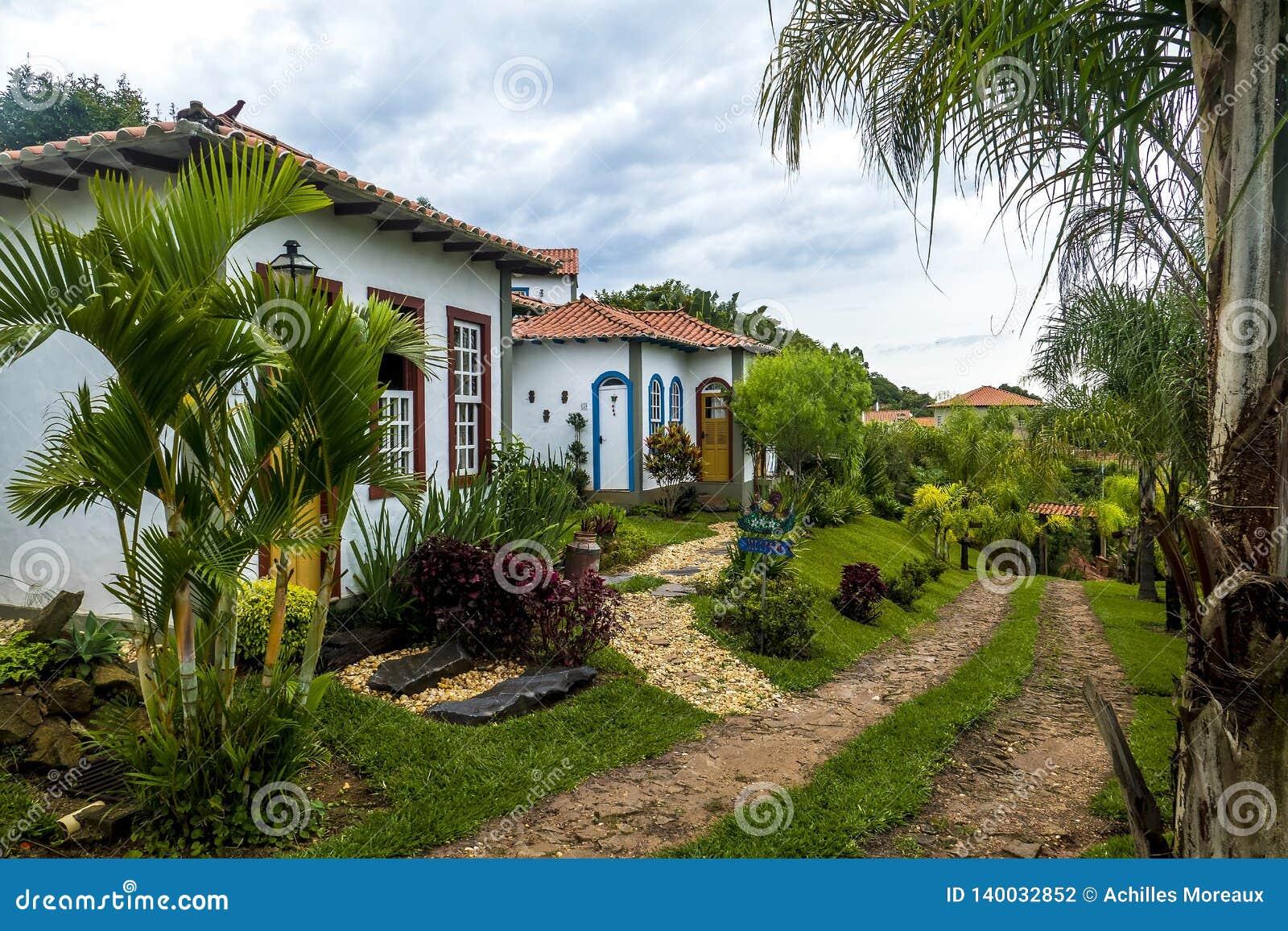 Tiradentes hostel landscaping