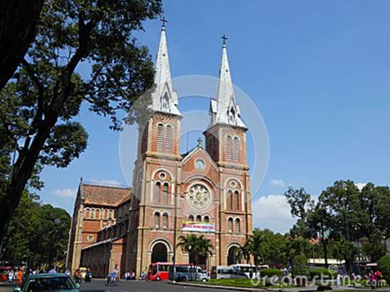 The exterior of the notre dame cathedral in ho chi minh for Exterior notre dame