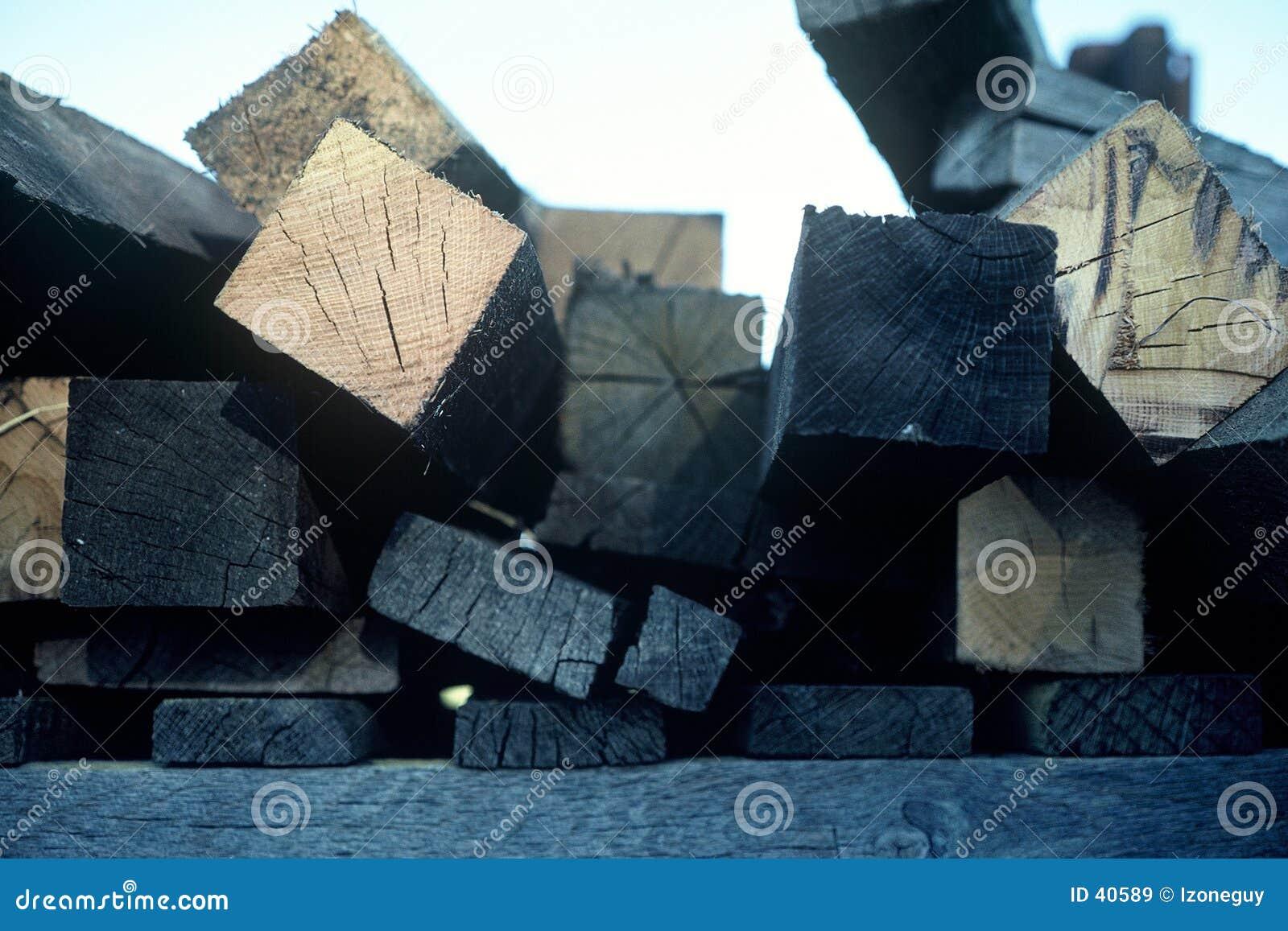 Extrémités de bois de charpente