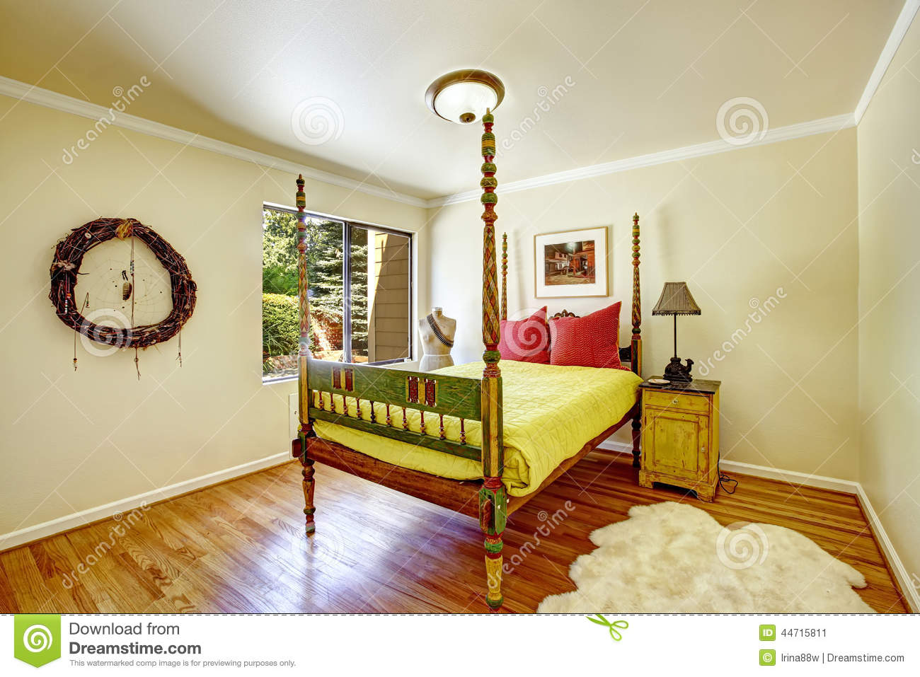 Extraordinary Bedroom Interior. Colorful Carved Wood Bed With Hi ...