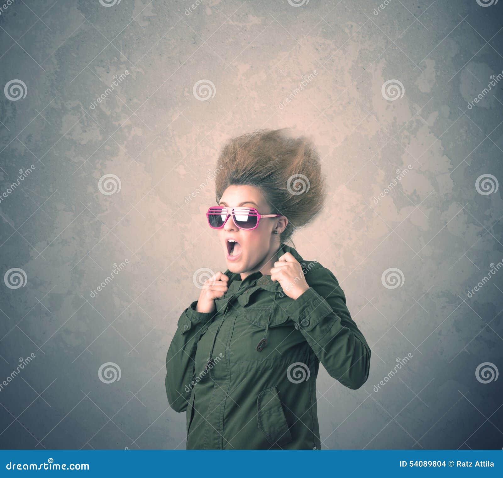 Extreem jong de vrouwenportret van de haarstijl