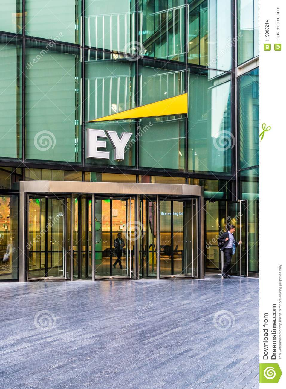 EY Accountants And Consultants In London Editorial Stock Image