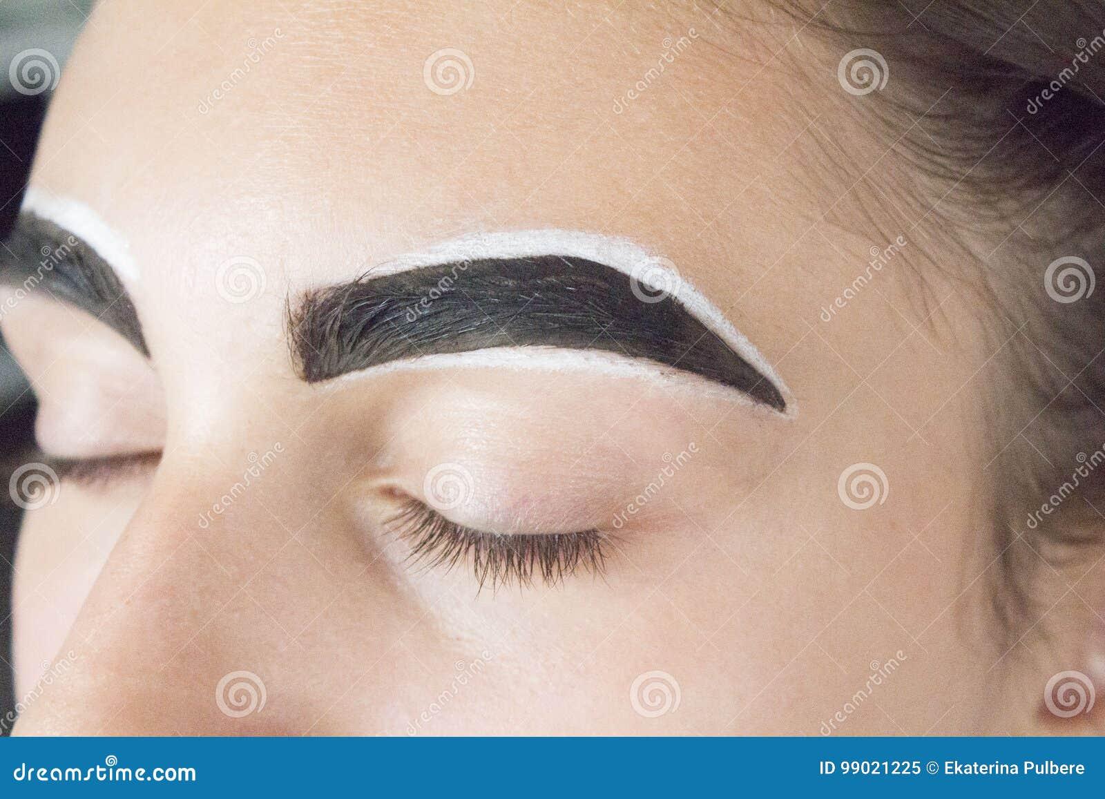 Eyebrows With Henna Stock Image Image Of Fringing Eyelashes 99021225