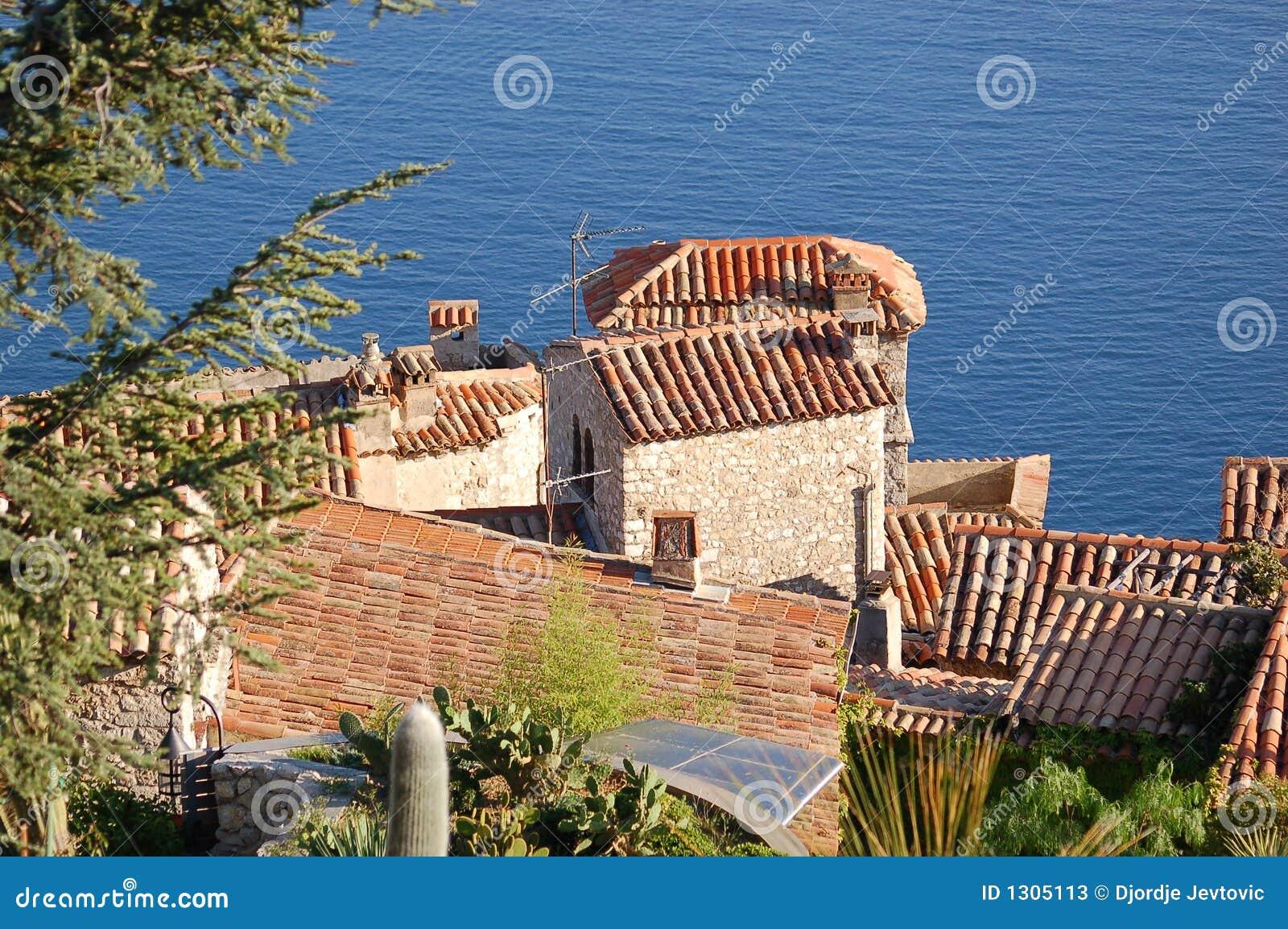 Eze - telhados