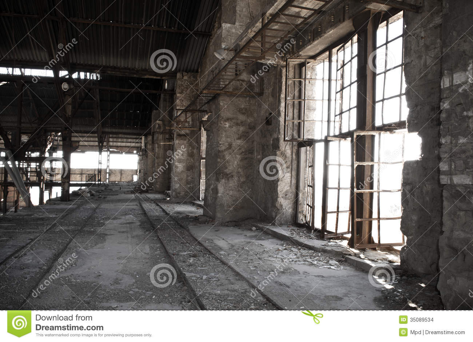 Fábrica abandonada velha