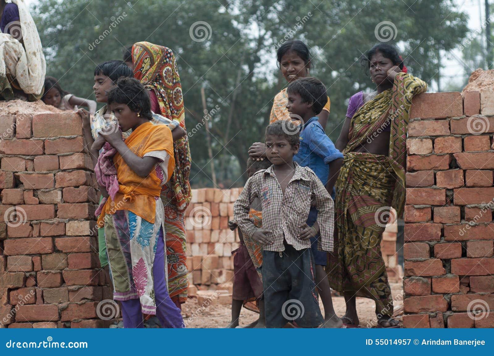 Fábrica do tijolo na Índia