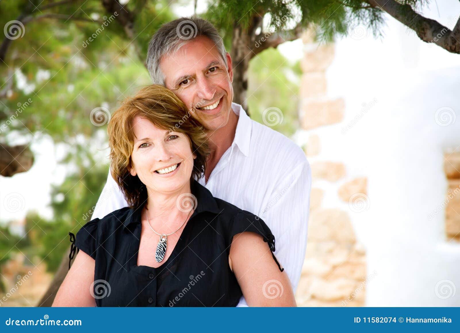 Fällige Paare in der Liebe
