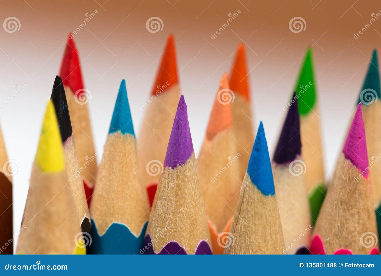Färga för att vässa blyertspennor